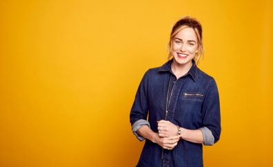 Actress, smile, Caity Lotz
