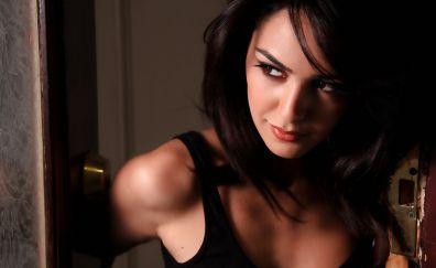 Nazanin Boniadi, American beauty, brunette