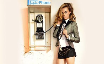 Cara Delevingne, telephone, 2018