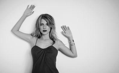 Mélanie Laurent, hands up, actress, monochrome