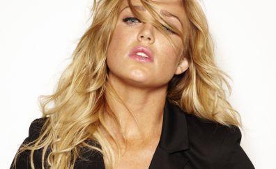Blonde, Caity lotz, celebrity