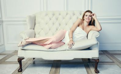 2017, Bella Thorne, smile, sofa, lying down