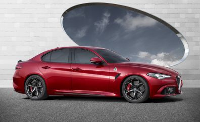 Red car, Alfa Romeo Giulia, side view, 5k
