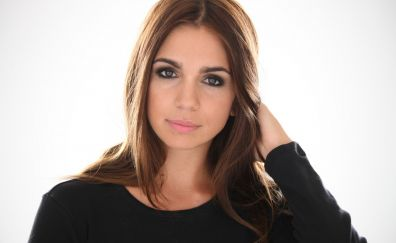 Elena Furiase, actress, celebrity