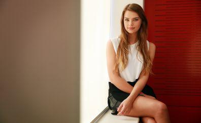 Indiana Evans, actress, sitting, 4k