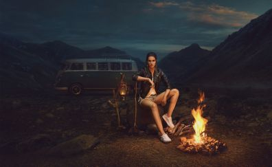 Kriti sanon, outdoor, campfire, 2017
