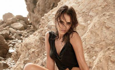 Wet body, Jessica Alba, popular celebrity