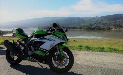 Kawasaki Ninja ZX-6R bike