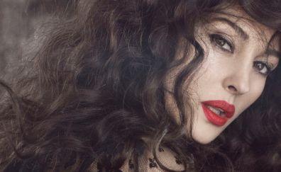 Monica Bellucci, Brunette Actress