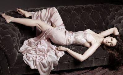 Rachel Weisz, actress, sofa