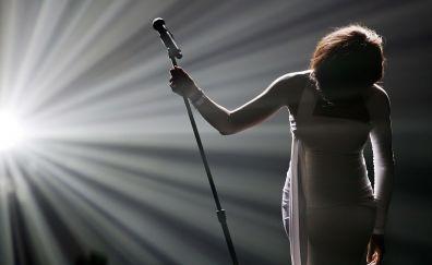 Whitney Houston, performance