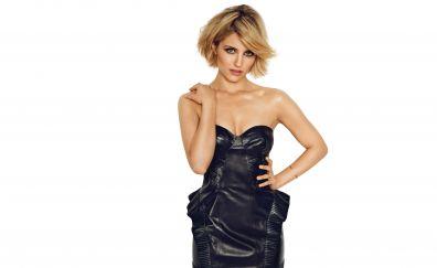 Hot celebrity, Dianna Agron, bare shoulder