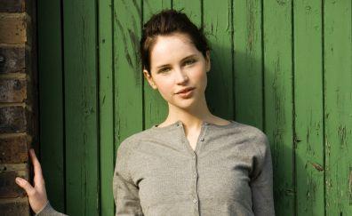 Felicity jones, cute smile, British actress