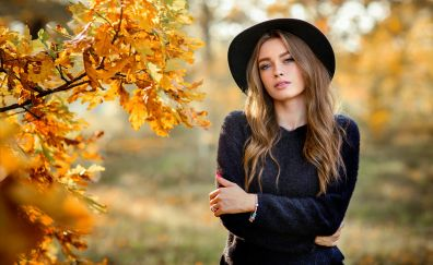 Crossed arms, girl model, outdoor, autumn