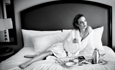 Monochrome, woman, in bed, Brie Larson