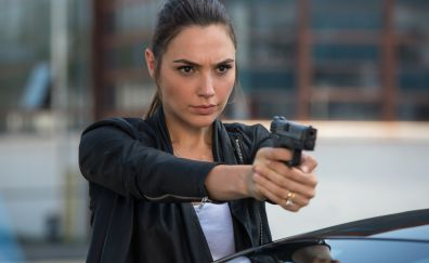Gal Gadot, Keeping Up with the Joneses, movie, gun