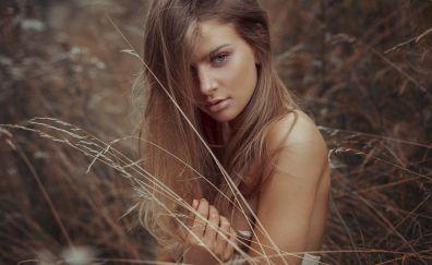Grass threads, girl model, brunette, outdoor