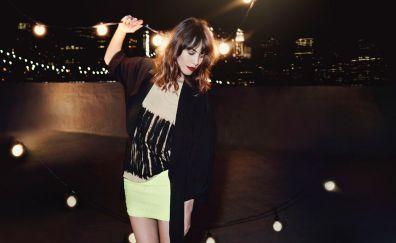 Alexa Chung, dance, celebrity, lights