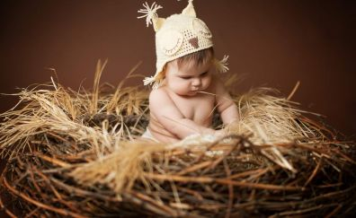 Baby in hay photography