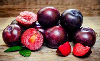 Plums, ripe, slices, fruits