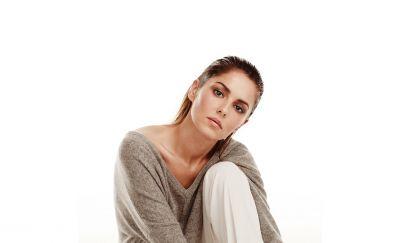 Cheryl Cole, singer, sitting, photoshoot