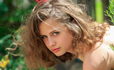 Clarice, blonde, girl model's face
