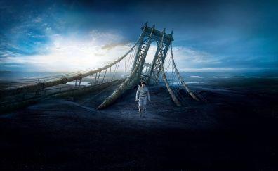 Tom Cruise in Oblivion movie, broken bridge, desert