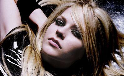 Avril Lavigne, singer, face