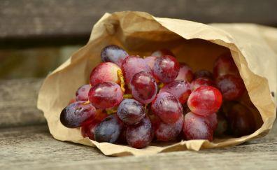 Fruits, red grapes, bag