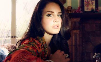 Singer, Lana Del Rey, popular face