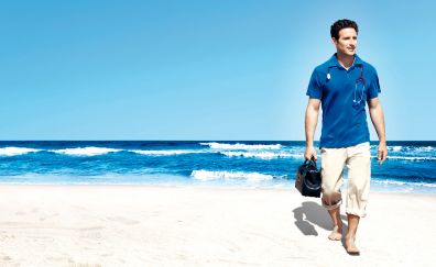 Royal Pains TV series, Mark Feuerstein, actor at beach