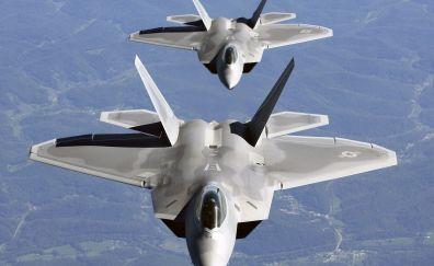 Lockheed Martin F 22 raptor in sky