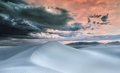 White desert dunes