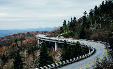 Linn Cove Viaduct road