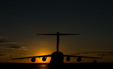 Boeing C-17 Globemaster III Military transport aircraft, airplane