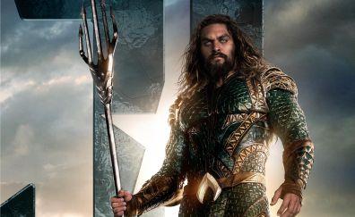 Jason Momoa as Aquaman in justice league movie