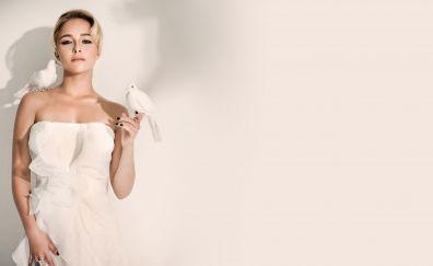 Hayden Panettiere, actress, birds