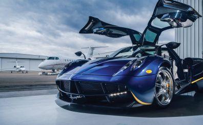 Pagani Huayra, sports blue car