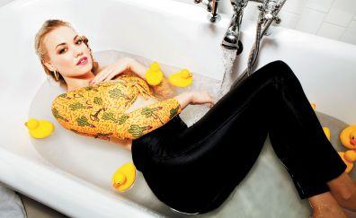 Yvonne Strahovski in bathtub