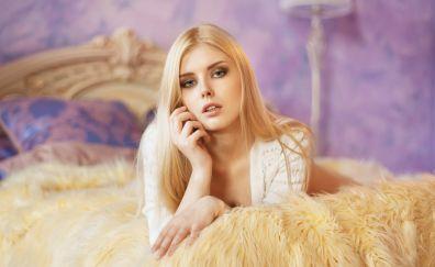 Blonde, Selena Werner, lying down