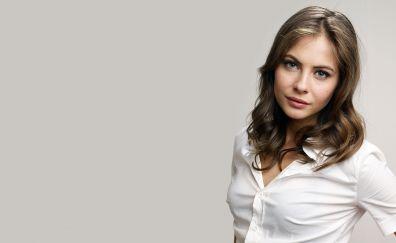 Willa Holland, cute celebrity, brunette