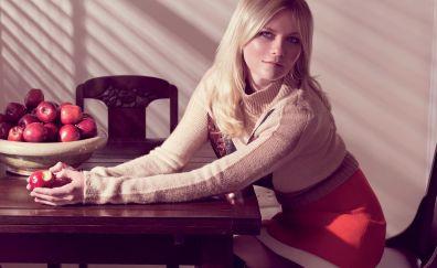 Kirsten Dunst, celebrity, sitting, apple