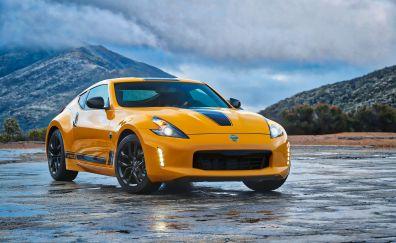 Nissan 370Z, yellow sports car