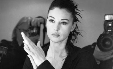 Monica Bellucci, monochrome