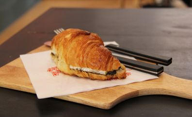 Croissant breads, breakfast