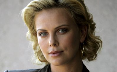 Blonde, Charlize Theron
