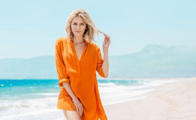 Blonde celebrity @ beach, Naomi Watts