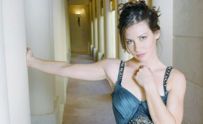 Hot Actress Evangeline Lilly