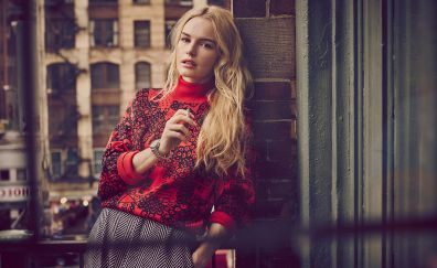Kate Bosworth, blonde actress, leaning to wall