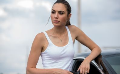 Beautiful Gal Gadot in movie Keeping up with the Joneses, movie